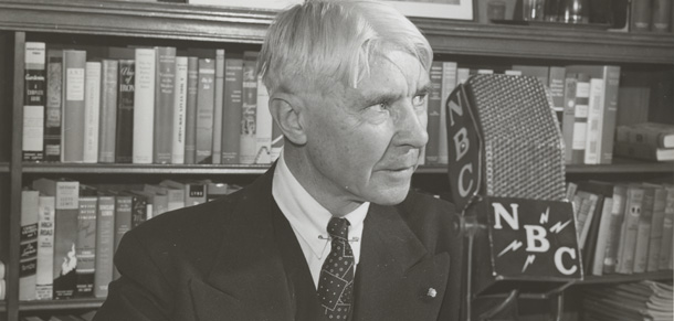Carl Sandburg behind an NBC microphone | Photo courtesy of University of Illinois, The Rare Book & Manuscript Library
